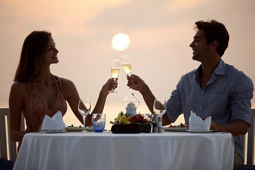 Romantic Dinner – Sunset Sweet Emotions